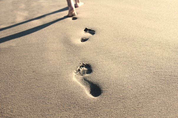 footprints-in-sand-ss
